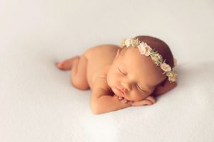 newborn photographer how to choose bebe bola 300x200