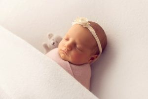 newborn photographer melbourne bebe bola