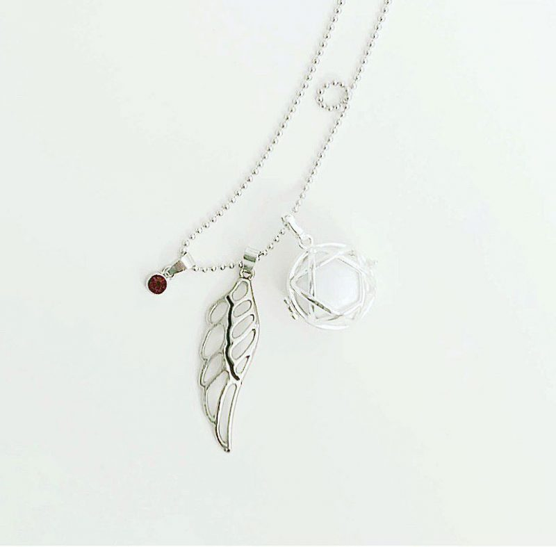 maternity gift ideas pregnancy chime necklace 2