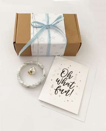 gift box pregnant woman christmas present