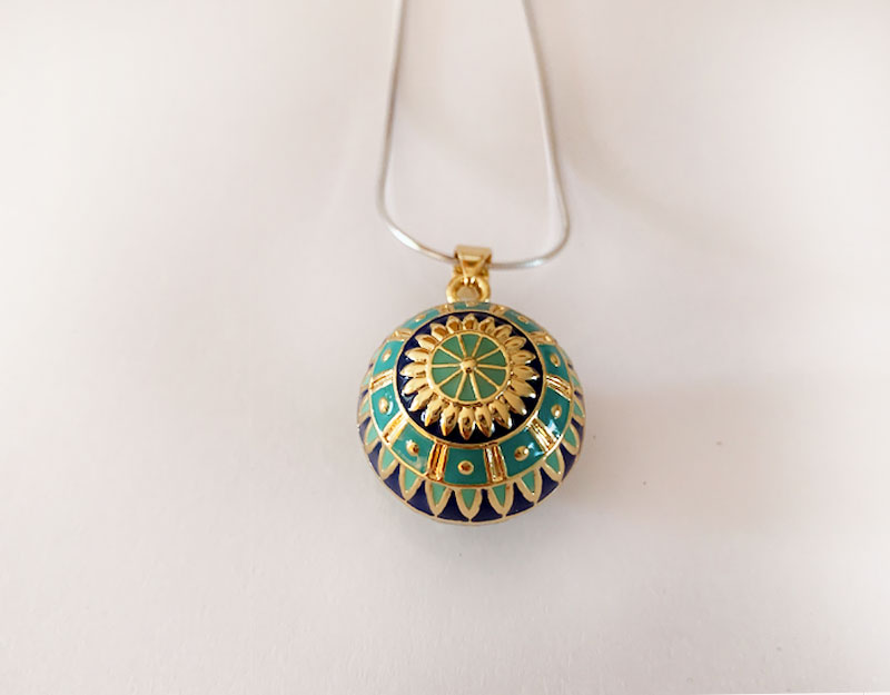 mandala gold necklace prendant
